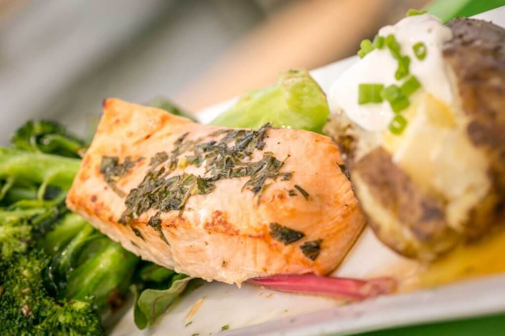Broiled Salmon Entree